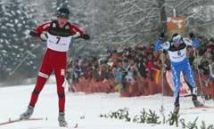Magnus Moan slår Samppa Lajonen i spurten (Foto: AP/Diether Endlicher)
