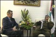 Terje Rød-Larsen og Yasir Arafat (foto: EBU).