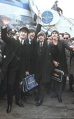 The Beatles ankommer Kennedy-flyplassen i New York 7. februar 1964. Foto: AP Photo.