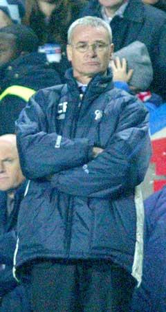 Claudio Ranieri gir Roman Abramovitsj det glatte lag. (Foto: Reuters/Scanpix)