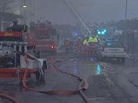 Det var et stort oppbud av brannvesen, politi og ambulansepersonell på brannstedet.