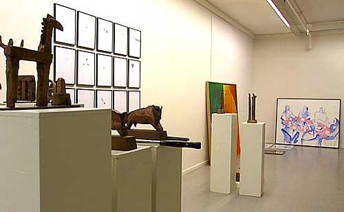 Slik så det ut i Bodø kunstforenings lokaler før åpningen av Den 58.Nordnorske Kunstutstilling. Foto: Einar Breivik, NRK.