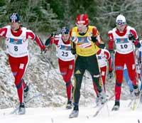 Aukland til venstre måtte se seg slått av Estil til høyre. (Foto: AFP PHOTO JANEK SKARZYNSKI)