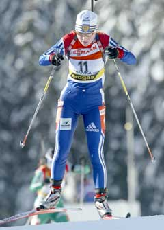 Anna Bogali på vei til seier på fellesstarten. (Foto: AFP/Scanpix) 