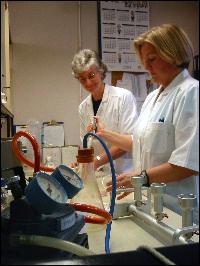 Kystlab AS vil tilby alle tjenester som de gamle offentlige laboratoria til næringsmiddeltilsynet gjorde. Foto: Gunnar Sandvik
