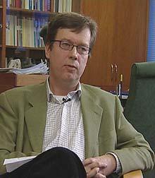 Åge Pettersen i OBOS forsvarer gebyrene de tar i forbindelse med kjøp og salg av bolig.