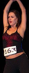 Tonje Westbye er profesjonell danser og i likhet med de andre på audition trenger hun denne jobben. Foto: NRK