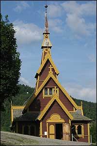 Den engelske kyrkja i Balestrand. (Foto: Arild Nybø, NRK © 2003)