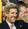 Målingen gir Kerry 2 prosentpoengs forsprang over Bush.l. Foto:Reuters/Scanpix