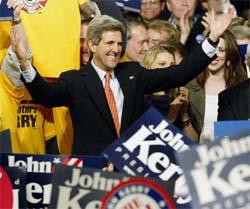 Senator John Kerry kan slå George W. Bush i presidentvalet, viser ei meiningsmåling. (Reuters-Scanpix-foto)