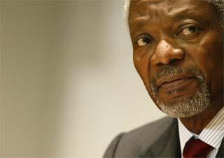 FNs generalsekretær Kofi Annan er ikke veldig begeistret over bokutgivelsen. (Arkivfoto: AP/Scanpix)