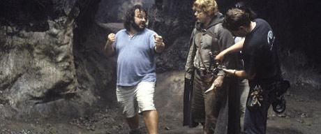 Sean Astin får intruksjoner av regissør Peter Jackson under innspillingen av