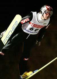 Roar Ljøkelsøy vinner i Sapporo (Foto: Reuters/Issei Kato)