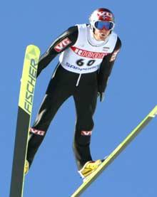 Roar Ljøkelsøy svever mot verdenscupseier nummer fem (Foto: Reuters/Eriko Sugita)