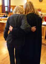 Den drapsdømte stemora og hennes forsvarer under rettsaken i Frostating lagmannsrett i vinter. Foto: NRK