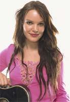 Anne Hvidsten (22) fra Fonnes har Tromsø-jenten Lene Marlin som forbilde.