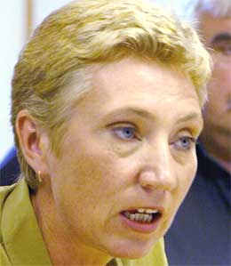 Peggy Hessen Følsvik mener Braathens er mer kostnadseffektivt enn SAS (foto: Scanpix)