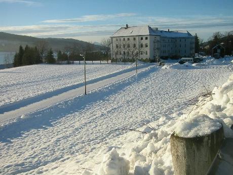 Endring i strategi etter møtet her ved sjukehuset på Hjelset mandag. Foto: Gunnar Sandvik