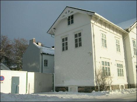 De 140 år gamle fengselsbygningene trenger sårt utbedring og nybygg. Foto: Gunnar Sandvik
