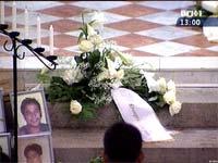 Det ble en verdig minnegudstjeneste i St. Pauls kirke for de pårørende etter Rocknes-forliset. Foto: NRK