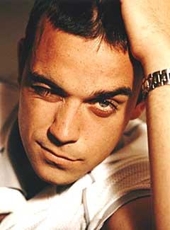 """Robbie Williams-melodien """"Come undone"""" er delvis skrevet av Per Kristian Ottestad. Foto: Promo."""
