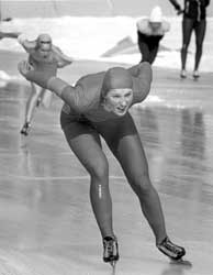 Bjørg Eva Jensen tar OL-gull på 3000 meter i Lake Placid.