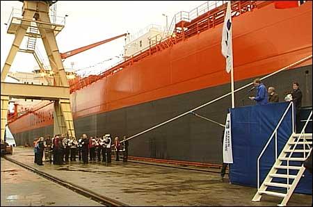 Nye skipskontraktar gir fleire arbeidsplassar i Florø. Arkivfoto Steinar Lote NRK