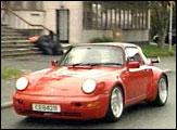 Regjeringen foreslår å øke engangsavgiften på biler (foto: NRK).