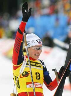 Liv Grete Skjelbreid Poiree vant med startnummer 13. (Foto: Heiko Junge / SCANPIX)