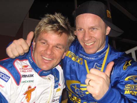 Henning og Petter Solberg etter sjette- og tredjeplassen i Rally Sverige 2004 ( Foto. Helene H. Irving, NRK )