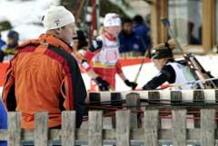 Bjørn Dæhlie følger skiskytterne tett. (Foto: Heiko Junge / SCANPIX)