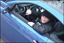 Jan Erik i en flunkende ny Renault Megane CC. (Foto: Bjørnar Fjeldvær)