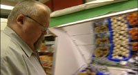 Jens Petter holder liv i dagligvarehandelen.