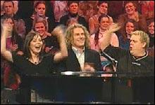 Marianne og Rune holder stemning oppe, til stor glede for Trond og publikum.