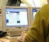 Stadig flere nordmenn bruker internett til å bestille reiser.