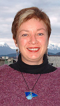 Morgenvert May Britt Haukås ved NRK Møre og Romsdal har også ansvaret for den populære Naturtelefonen. (Foto: NRK/Kjell Jøran Hansen)