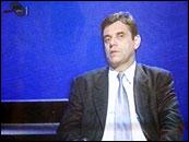 Serbisk tv presenterte Vojislav Kostunica som landets nye president. (Foto: Scanpix/AP)