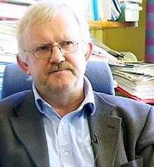 Leder av Forbrukertvistutvalget, Trygve Bergsåker.
