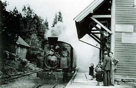 Stend stasjon 1934 - året før nedleggelsen. Foto: Henry Oma