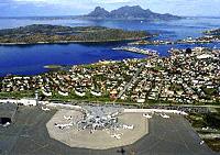 Bodø lufthavn med kontrolltårnet til venstre i bildet. Foto: Bodø Hovedflystasjon/Fotoavdelingen.