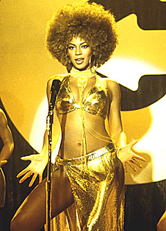 "Beyonce Knowles, her i en scene fra filmen ""Austin Powers in Goldmember"". Nå har hun fått tilbud om å spille i en Queen-film. Foto: AP Photo / Melinda Sue Gordon."
