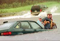 Orkanen Floyd i 1999 kosta 56 menneskeliv og gjorde skader for 34 milliardar kroner (Foto: AP/Lannis Waters)