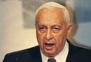 Ariel Sharon advarer bosettere. (Arkivfoto: Scanpix)