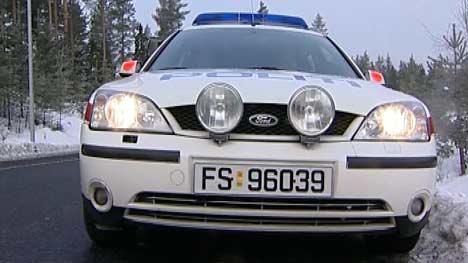 Politiet kan ikke kjøpe nye biler fordi de må betale leie for lokaler de ikke bruker.