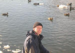 Kjetil Johannesen følger fuglelivet hele sesongen. Foto: NRK
