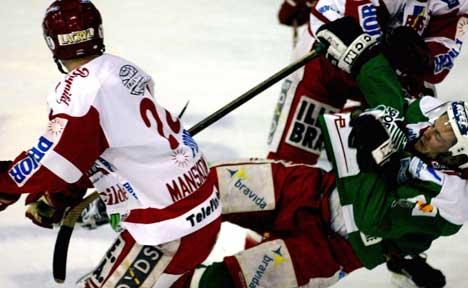 Stjernen kriget seg til sine første poeng på ni år i Hamar OL-Amfi torsdag. Foto: Knut Falch Scanpix.