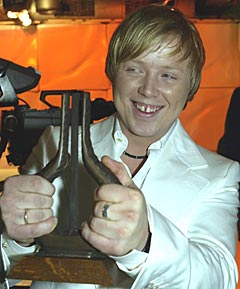 Kurt Nilsen stakk lørdag av med prisen for Årets Låt. Nå begynner det å løsne ute i Europa og fredag er han med i et stort tysk tv-show. I april spiller han med bandet sitt på Ole Blues. Foto: Terje Bendiksby / SCANPIX.