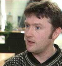 Virusanalytiker Snorre Fagerland sier at ormen Sasser B er ufarlig. Foto: NRK.