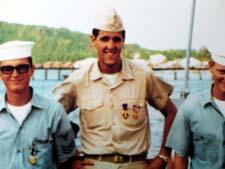 Krigshelten John Kerry (midten), fotografert rundt 1960.