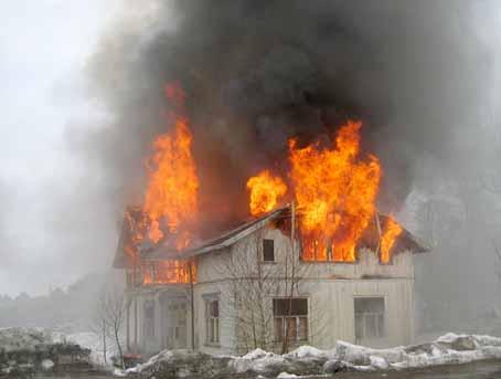 Menstadvillaen brant opp i en brannøvelse i dag.